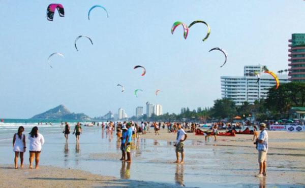 Kitesurfing In Hua Hin Thailand