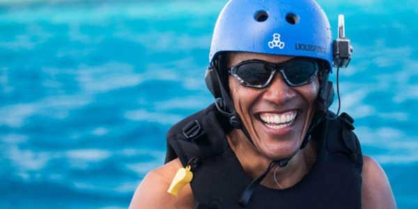 Obama kitesurfing