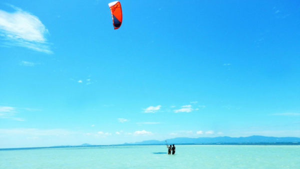 Student learning kitesurfing in Thailand