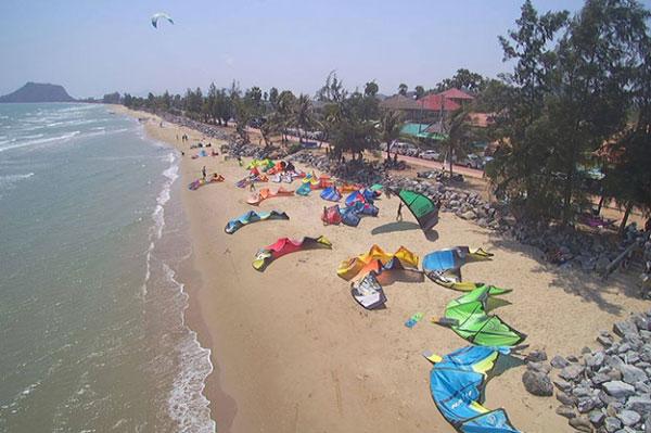 Kitesurfing in Thailand Pak Nam Pran